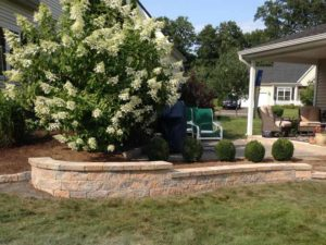 Encore Landscaping LLC of Enfield CT Low Accent Wall